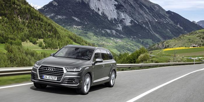 """Platz 5 (4 Prozent): Von den Audi-Modellen Q 3, 5 und 7 (im Bild: Q 7) gibt es auch Modelle für Öko-Bosse. Ein bisschen Elektrizität, ein bisschen Verbrenner und fertig ist das Plug-In-Hybridwunder """"e tron"""". Nur echt mit Fahrerlaubnis durch die Feinstaubzone und mit Steuerbefreiung durch das E-Kennzeichen."""