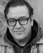 Frank Georg Zebner ist Professor für Technische Produkte und Produktsysteme an der HfG Offenbach.