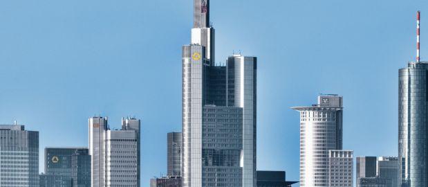 Liquidität: Deutschlands Banken, wie hier in Frankfurt, geben Unternehmen Kapital zum Niedrig-Zins.