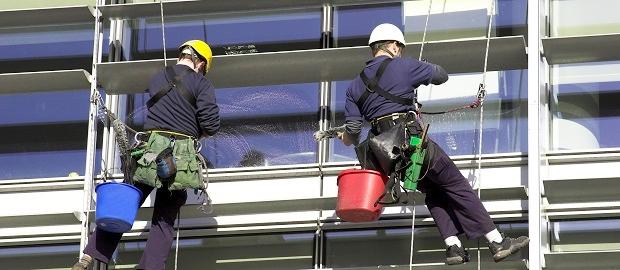Facility-Management-Leistungen über die Einkauf-Abteilung organisieren.