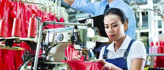 Immer mehr Unternehmen reagieren, indem sie ihre Lieferkette nach ethischen Maßstäben neu strukturieren.