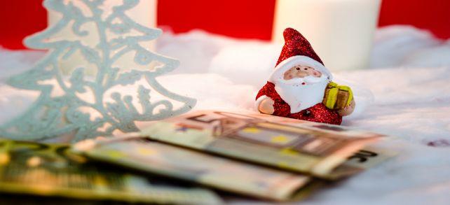 Aus Tradition: Nach einigen Jahren wird auch ein freiwillig gezahltes Weihnachtsgeld zum ungeschriebenen Bestandteil des Arbeitsvertrags.