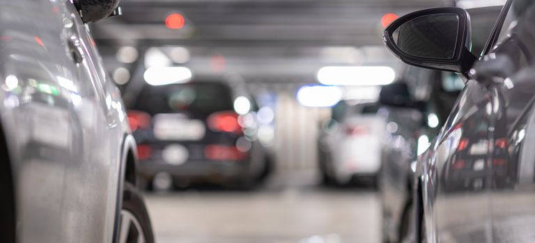 Abgaben reduzieren: Steht der auch privat genutzte Firmenwagen wegen der Corona-Krise häufig nur in der Garage, kann der Nutzer seine Steuerlast senken.