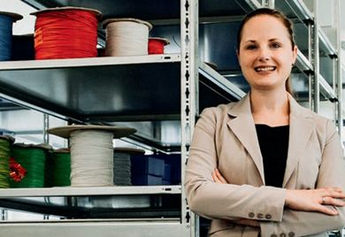 Souveräner Auftritt: Jeannine Budelmann schreckt vor der männlichen Technik-Branche nicht zurück.