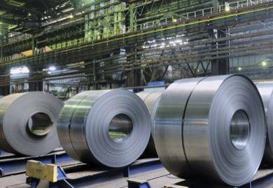 Stahlcoils: Gerade in der Metallindustrie können sich Flüchtlinge schnell einarbeiten.