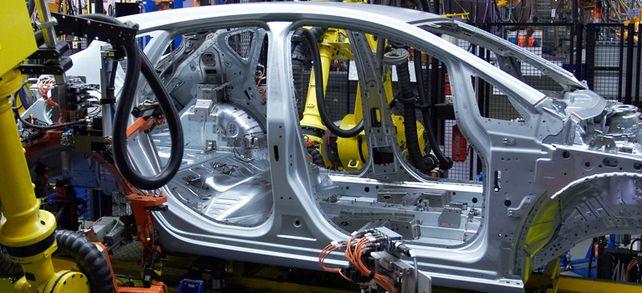 Kunden aus der Automobilindustrie: Joma-Polytec beliefert Fahrzeughersteller mit Vakuum- und Hydraulikpumpen.