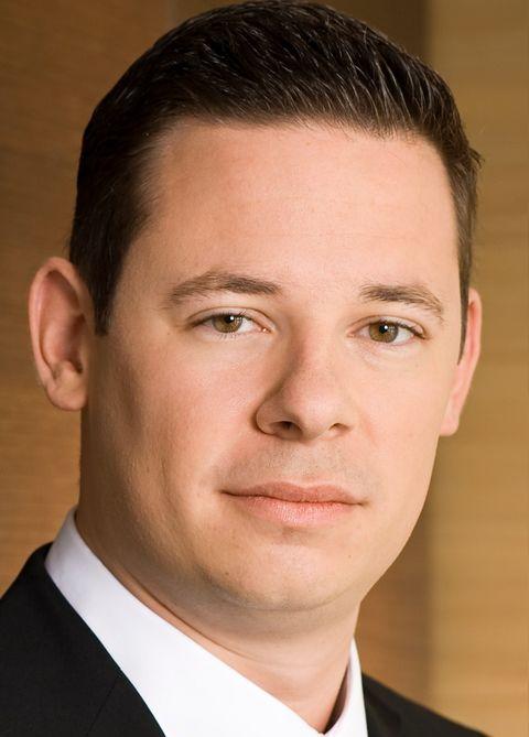 Alexander Willemsen ist Rechtsanwalt, Fachanwalt für Arbeitsrecht und Junior-Partner bei Oppenhoff & Partner.