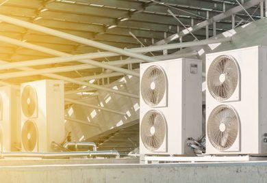 """""""Der heiße Sommer des vergangenen Jahres ließ einen deutlichen Produktivitätseinbruch spüren"""", sagt Dpciware-Co-Gründer Jürgen Biffar. Deshalb gibt's am neuen Standort eine Klimaanlage."""