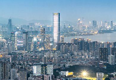 Das ist nicht Witzenhausen: Arne Weber leitet das hessisch-chinesische Unternehmen Faytech von der chinesischen Millionenstadt Shenzhen aus.