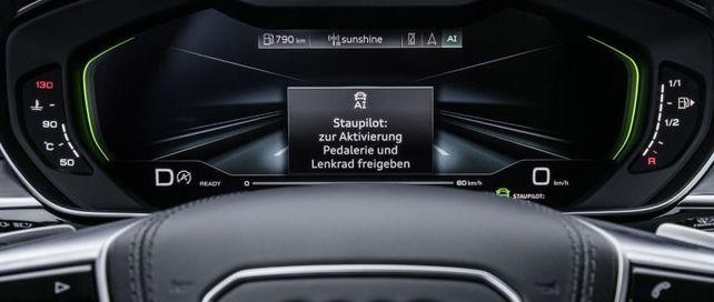 Autonomes Fahren wird die Anreise zum Geschäftstermin komfortabler machen. Doch noch gibt es  eine Handvoll technischer und rechtlicher Hürden zu bewältigen.
