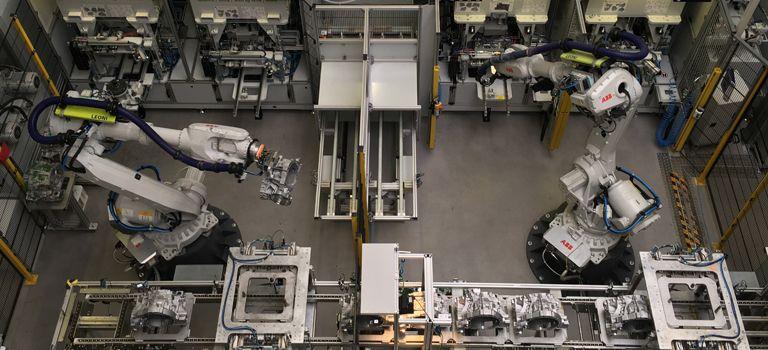 Viele Komponenten: Das Material für die Produktion ordert der Zerspannungsdienstleister Schlote bei mehreren tausend Lieferanten.