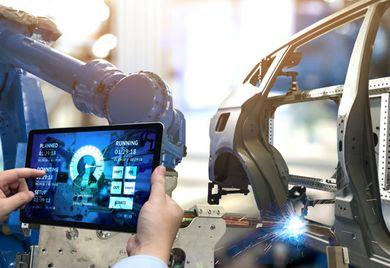 """""""Die Personalisierung von Massenprodukten rückt verstärkt in den Vordergrund"""", sagt Martin Schleef vom Fraunhofer-Institut für Produktionstechnik und Automatisierung IPA."""
