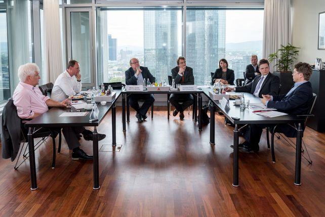 """Was Social Collaboration für Unternehmen bedeutet, zeigt  die Diskussion bei der """"Allianz für den Mittelstand – die IT-Initiative"""", die am 11. Mai in Frankfurt am Main (Eurotheum) stattfand."""