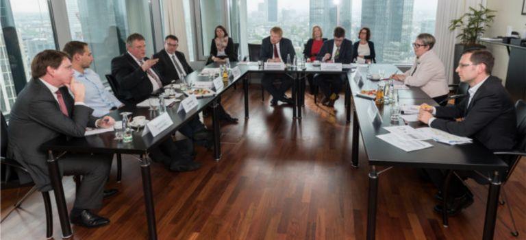 """Wie attraktiv eine """"digitale Finanzierung"""" ist, war Diskussionsthema bei der """"Allianz für den Mittelstand – die Finanzierungsinitiative"""", die am 4. Mai in Frankfurt am Main stattfand."""