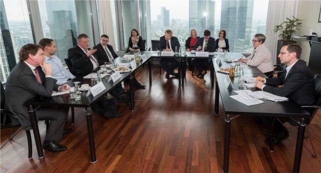 """Wie attraktiv eine """"digitale Finanzierung"""" ist, war Diskussionsthema bei der """"Allianz für den Mittelstand – die Finanzierungsinitiative"""". Die am XX in XX stattfand. Fotoquelle aller Fotos: Andreas Klehm?"""