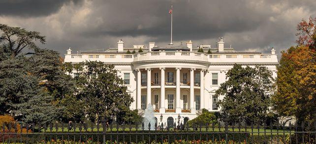 Weiter graue Wolken über dem Weißen Haus: Viele Unternehmer blicken mit einer größeren Verunsicherung auf die US-Wirtschafts- und Handelspolitik als vor einem Jahr