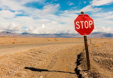 Seit Anfang Juli darf die Bundesregierung bei vielen Übernahmen von Unternehmen aus dem Ausland intervenieren und 'Stop' sagen.