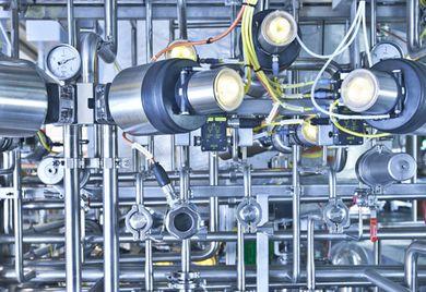 Rohrleitungen: Je komplexer die technischen Anlagen eines Gebäudes, desto umfangreicher die Sicherungspflichten.