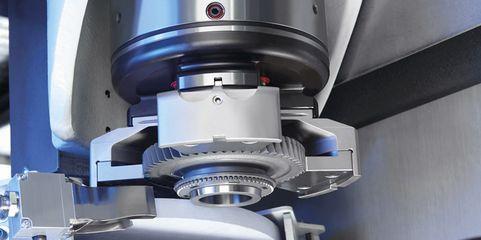 Kombinierte Dreh-/Schleifmaschine: Im Einsatz für die Bearbeitung von Getrieberädern für E-Motoren
