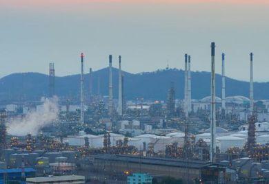 Ölraffinerien gibt es im Iran schon zu Genüge, jetzt will die Regierung mehr industrielle Wertschöpfung ansiedeln. Deutsche Firmen müssen das im Handel mit dem Land beachten.