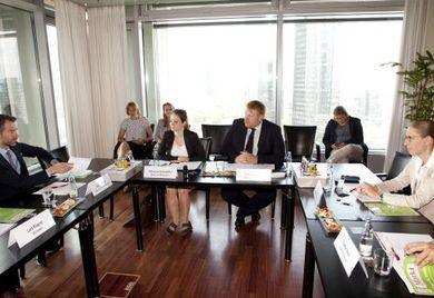 Die Teilnehmer der Finanzierungsallianz diskutierten in Frankfurt am Main über Mittelstandsanleihen und Konsortialkredite. Bildquelle für alle Fotos: Andreas Klehm