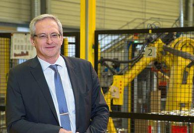 """""""Wir sind froh, wenn wir jemanden finden, der unsere Ansprüche erfüllt und ins Team passt"""": Elektro-Thermit-Geschäftsführer Matthias Wewel."""
