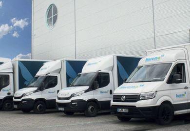 In Reih und Glied: Die Fahrzeuge bei dem Hygienefachgroßhandel Harema sind startbereit für ihre Touren.