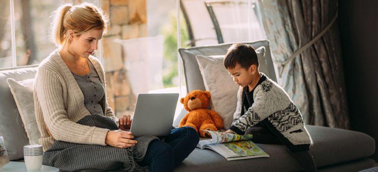 Viele Ablenkungen: Für Arbeitnehmer ist es nicht immer einfach, konzentriert im Home-Office zu arbeiten.