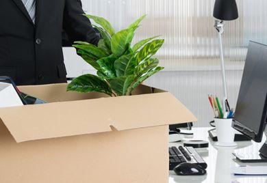 Und tschüss: Auch ein Geschäftsführer kann entlassen werden - er hat aber genauso Rechte wie jeder andere Arbeitnehmer auch.