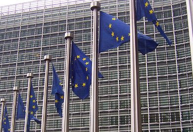 Die neuen Vorschriften der EU-Kommission bringen zahlreiche Veränderungen für den Umgang mit Derivaten.