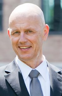 Dr. Volker Lang ist Rechtsanwalt, Fachanwalt für Bank- und Kapitalmarktrecht und Partner der Kanzlei BKL Fischer Kühne Lang.