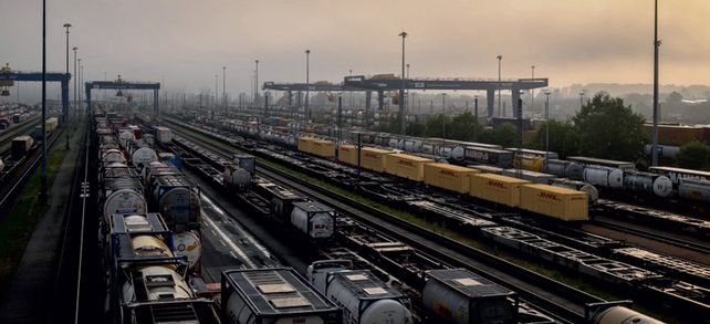 Lieferdrehscheibe Güterbahnhof: Beschaffung und Logistik stehen in enger Verbindung.