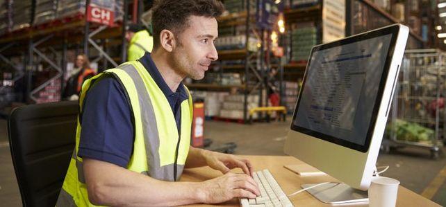 Mit dem Versand von Produktionsdaten per E-Mail können sich Mittelständler strafbar machen. Denn auch der Export von Daten unterliegt der Ausfuhrkontrolle des Zolls.