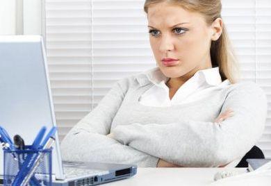 Die Beleidigung in sozialen Netzwerken muss der Arbeitgeber nicht akzeptieren.