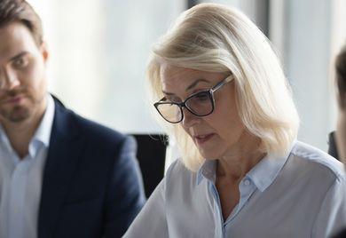 Nach wie vor ein eher seltener Anblick: weibliche Führungskräfte in Unternehmen