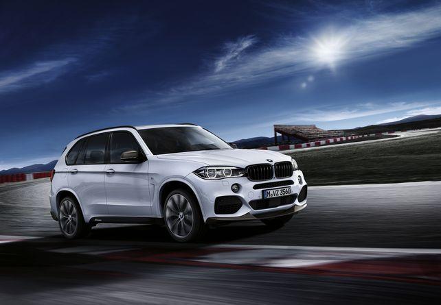 Zu keiner Zeit kommt der Eindruck auf, in einem Lastwagen zu sitzen: Wer nach einem Fahrzeug sucht, das neben optischer Opulenz auch eine großzügige Beladung erlaubt, ist mit dem BMW X5 gut bedient.