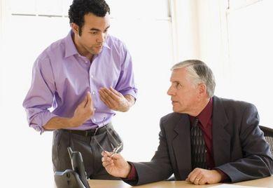 Die Erfahrung altgedienter Mitarbeiter ist bei immer mehr Unternehmen willkommen.