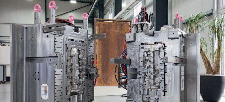 Kellermann macht's: Spritzgusswerkzeug für die Kunststoff-Zylinderkopfhaube eines 6-Zylinder-Benzin-Motors