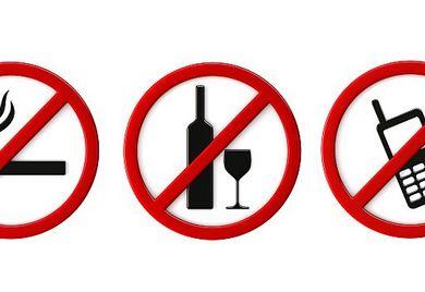 Dürfen Sie am Arbeitsplatz rauchen, auf Ihren Geburtstag mit Alkohol anstoßen oder privat telefonieren? Markt und Mittelstand erklärt, was am Arbeitsplatz rechtens ist und was gar nicht geht.
