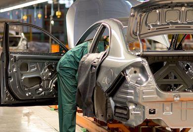In der Krise: Die Automobilindustrie leidet unter der Corona-Pandemie und kämpft zudem mit einem Strukturwandel.