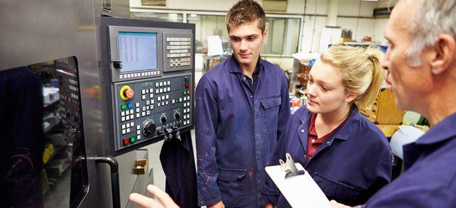 Hightech macht's möglich: Der deutsche Maschinenbau boomt. Hohe Forschungsinvestitionen sollen dafür sorgen, dass das auch so bleibt.
