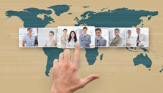Aus aller Welt: Immer mehr Mittelständler schauen sich international nach Fachkräften um.