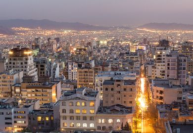 Nicht nur in Teheran: In einigen Branchen sind schon Kooperationsprojekte zwischen iranischen und europäischen Firmen angelaufen. Der Iran-Handel bleibt aber schwierig.
