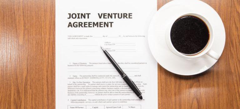 Vorsicht Kleingedrucktes: Ein deutscher Mittelständler muss einen klaren Geschäftsplan haben und seine Investition in ein Joint Venture akribisch nachhalten und kontrollieren.
