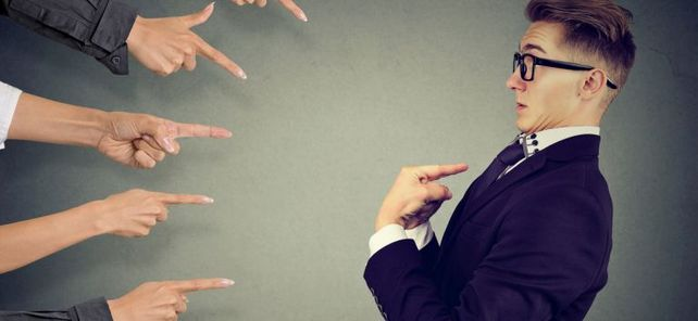 Ich??: Wenn bei der Ausführung von Arbeitsprozessen Fehler geschehen, will es niemand gewesen sein. Im Outsourcing-Vertrag sollten Unternehmen die Haftung daher eindeutig regeln.