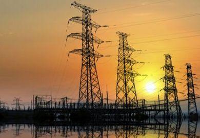 Die nur schleppend vorangehende Umsetzung der Energiewende in Deutschland nährt in der mittelständischen Wirtschaft die Angst vor einem Blackout - wie kann in Zukunft die Energiesicherheit gewährleistet werden?