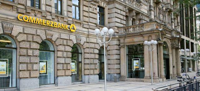 Die Verunsicherung im Mittelstand ist groß: Die Commerzbank erhebt nun offenbar Strafzinsen für Mittelständler.