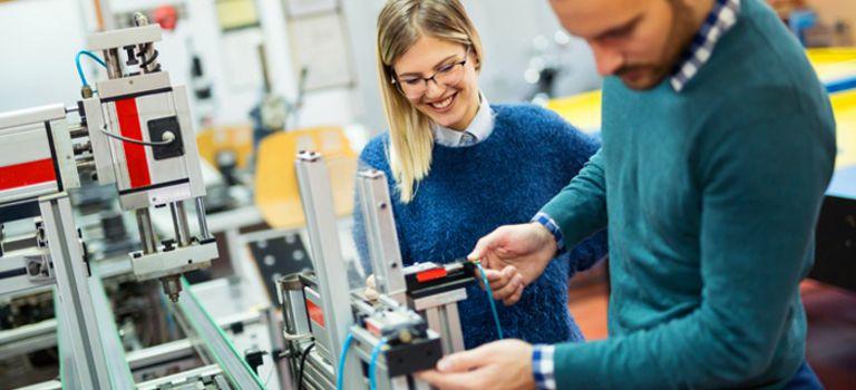 Tüfteln und entwickeln: Auch in den F&E-Abteilungen sind Leiharbeiter anzutreffen.