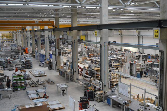 Neu gebaut: Ein Blick in die Produktionshalle bei Theegarten-Pactec in Dresden.