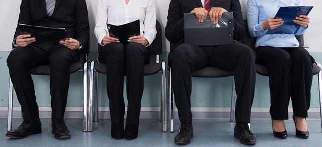 Personal gesucht: Mehr und mehr Unternehmen klagen, dass sie kaum noch neue Mitarbeiter finden.